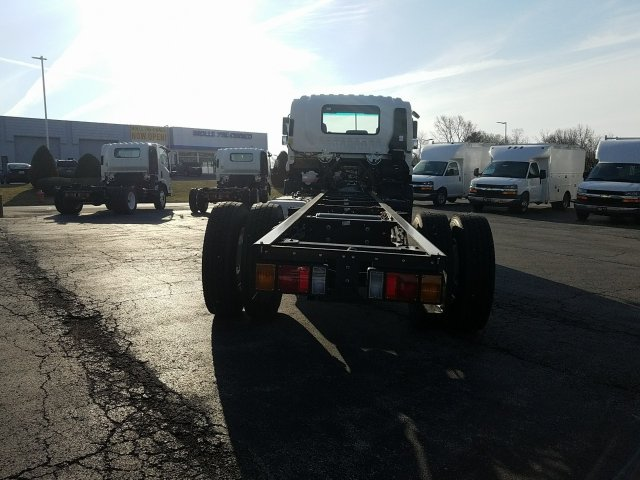 2018 LCF 6500XD Regular Cab, Cab Chassis #C16221 - photo 5