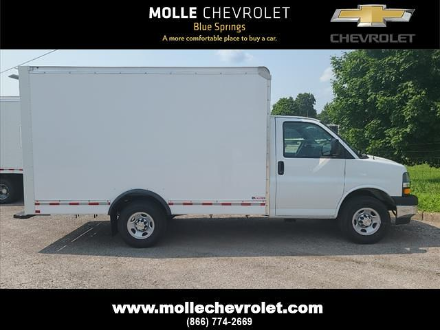 2021 Chevrolet Express 3500 4x2, Morgan Cutaway Van #C19435 - photo 1