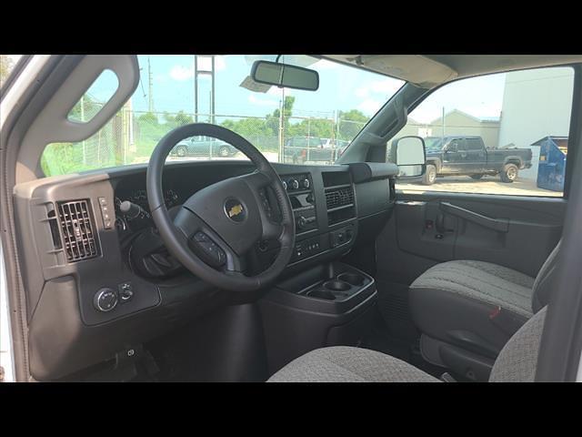 2021 Chevrolet Express 3500 4x2, Morgan Cutaway Van #C19435 - photo 7