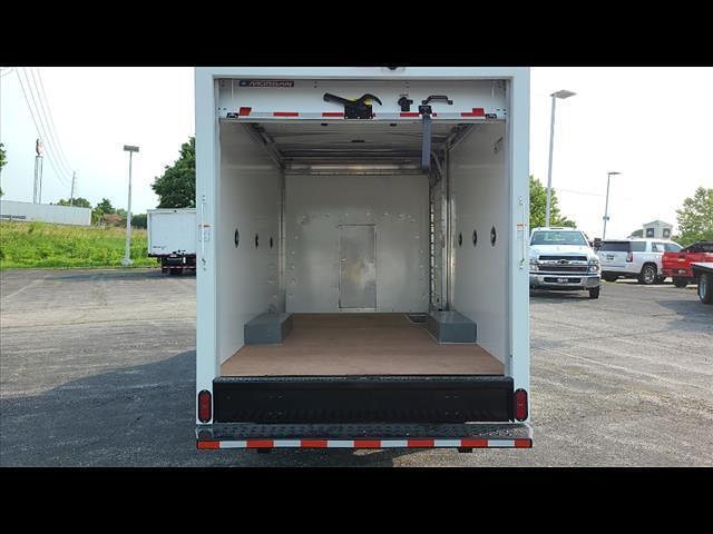 2021 Express 3500 4x2,  Morgan Truck Body Cutaway Van #C19438 - photo 5