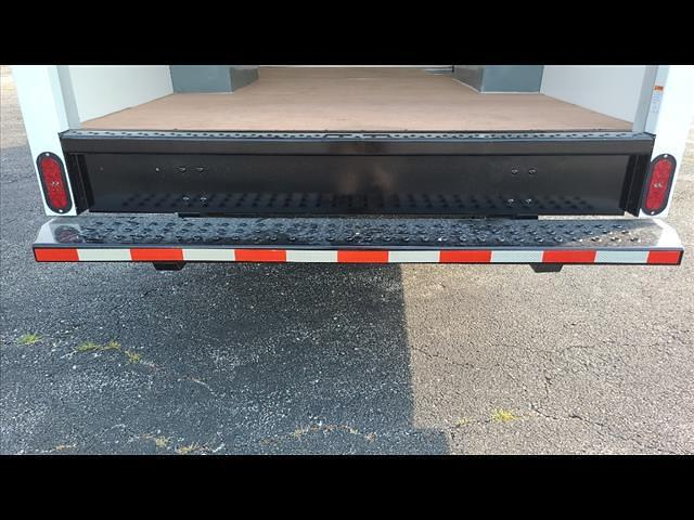 2021 Express 3500 4x2,  Morgan Truck Body Cutaway Van #C19438 - photo 6