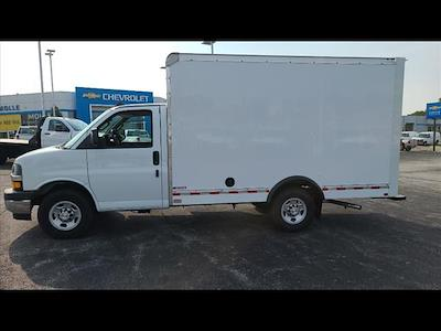 2021 Express 3500 4x2,  Morgan Truck Body Cutaway Van #C19438 - photo 3