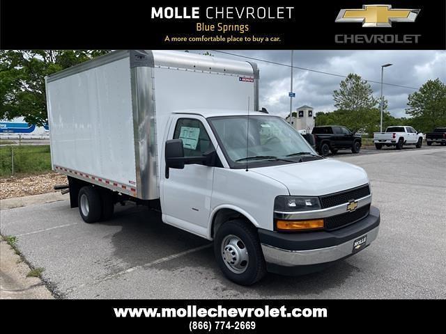 2021 Chevrolet Express 3500 4x2, Morgan Cutaway Van #C19440 - photo 1