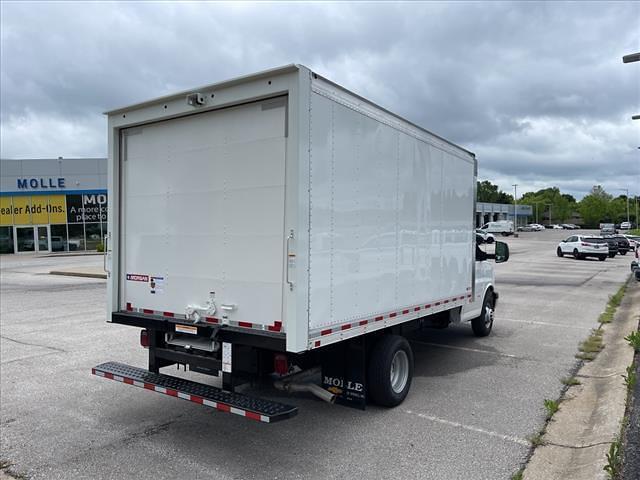 2021 Chevrolet Express 3500 4x2, Morgan Cutaway Van #C19440 - photo 2