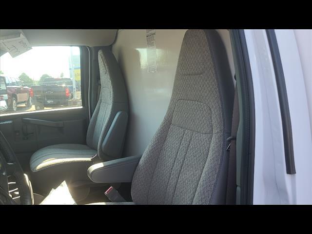 2021 Chevrolet Express 4500 DRW 4x2, Morgan Cutaway Van #C19472 - photo 10