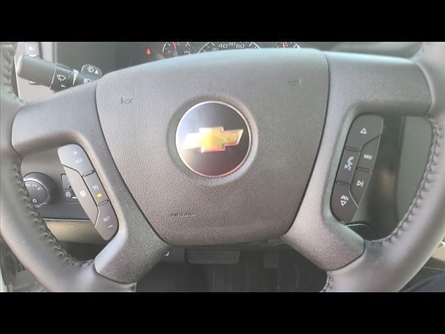 2021 Chevrolet Express 4500 DRW 4x2, Morgan Cutaway Van #C19472 - photo 13