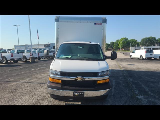 2021 Chevrolet Express 4500 DRW 4x2, Morgan Cutaway Van #C19472 - photo 3