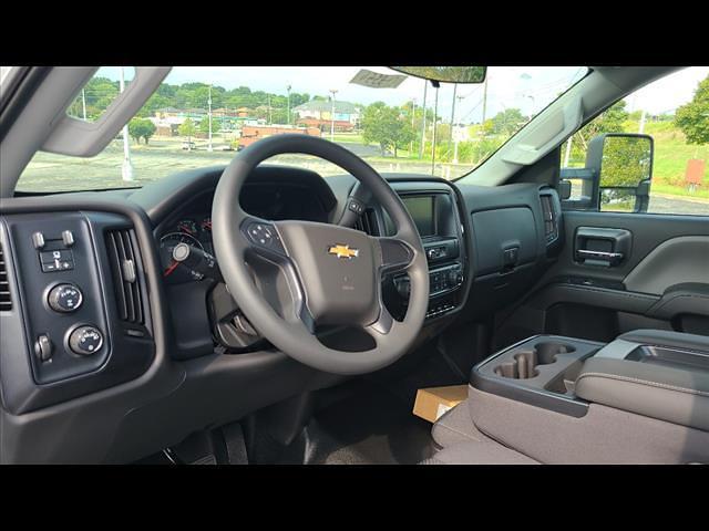 2021 Silverado 4500 Regular Cab DRW 4x4,  CM Truck Beds Platform Body #C19554 - photo 4