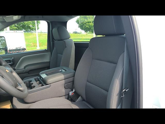 2021 Silverado 4500 Regular Cab DRW 4x4,  CM Truck Beds Platform Body #C19554 - photo 5