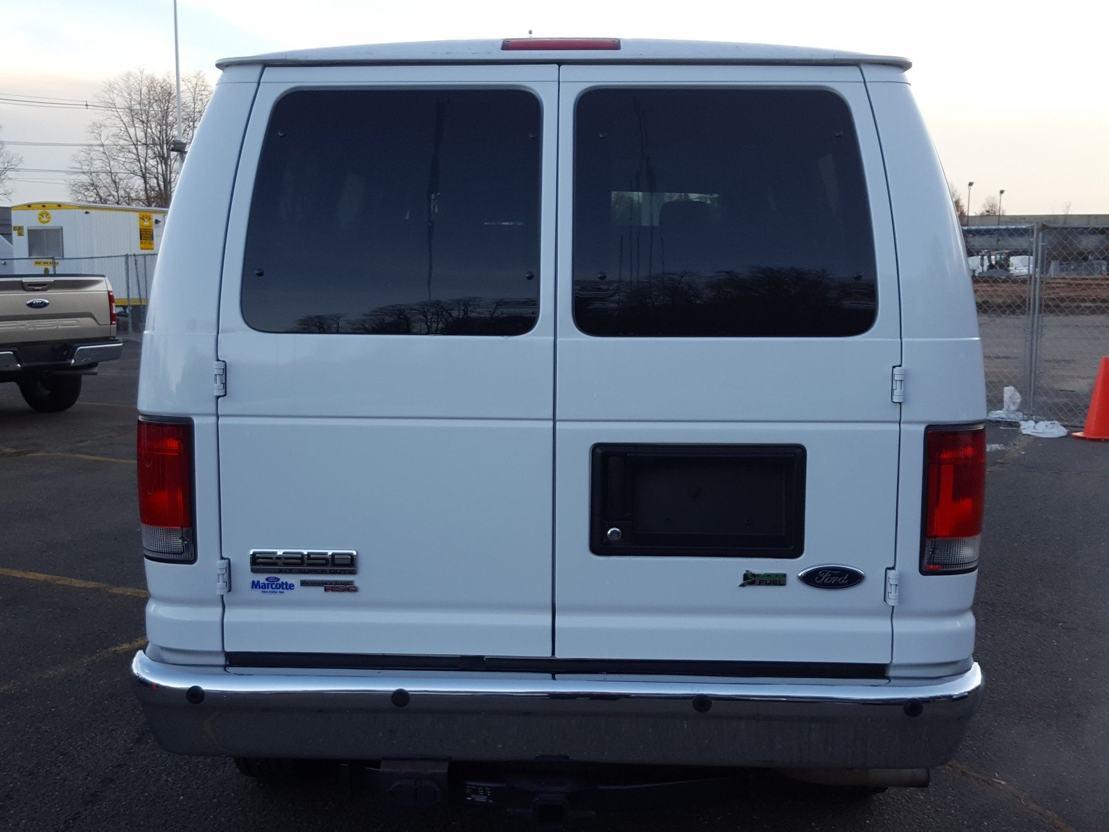 2014 E-350 Passenger Wagon #AT7318 - photo 4