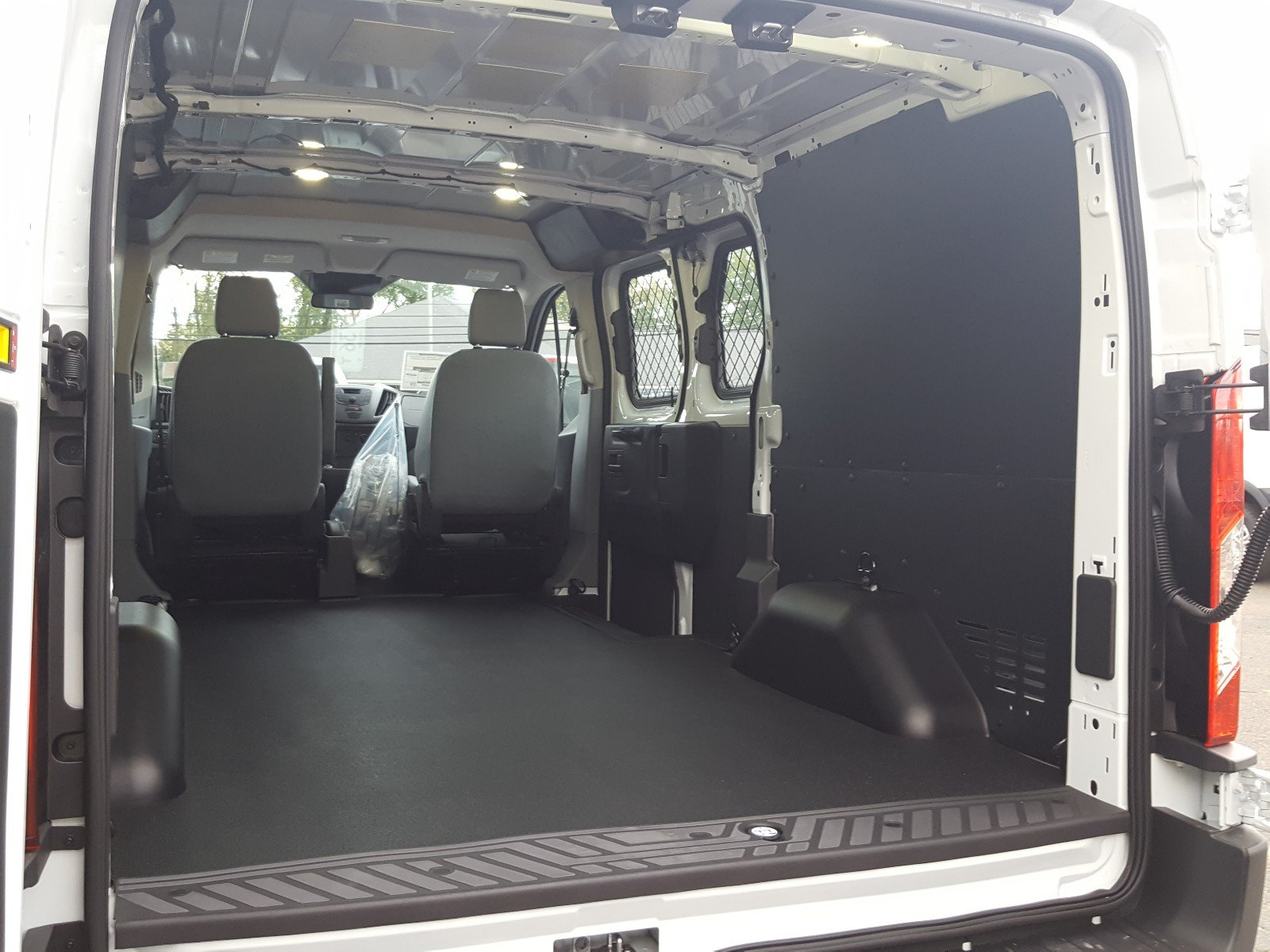 2018 Transit 250, Cargo Van #R7066 - photo 18