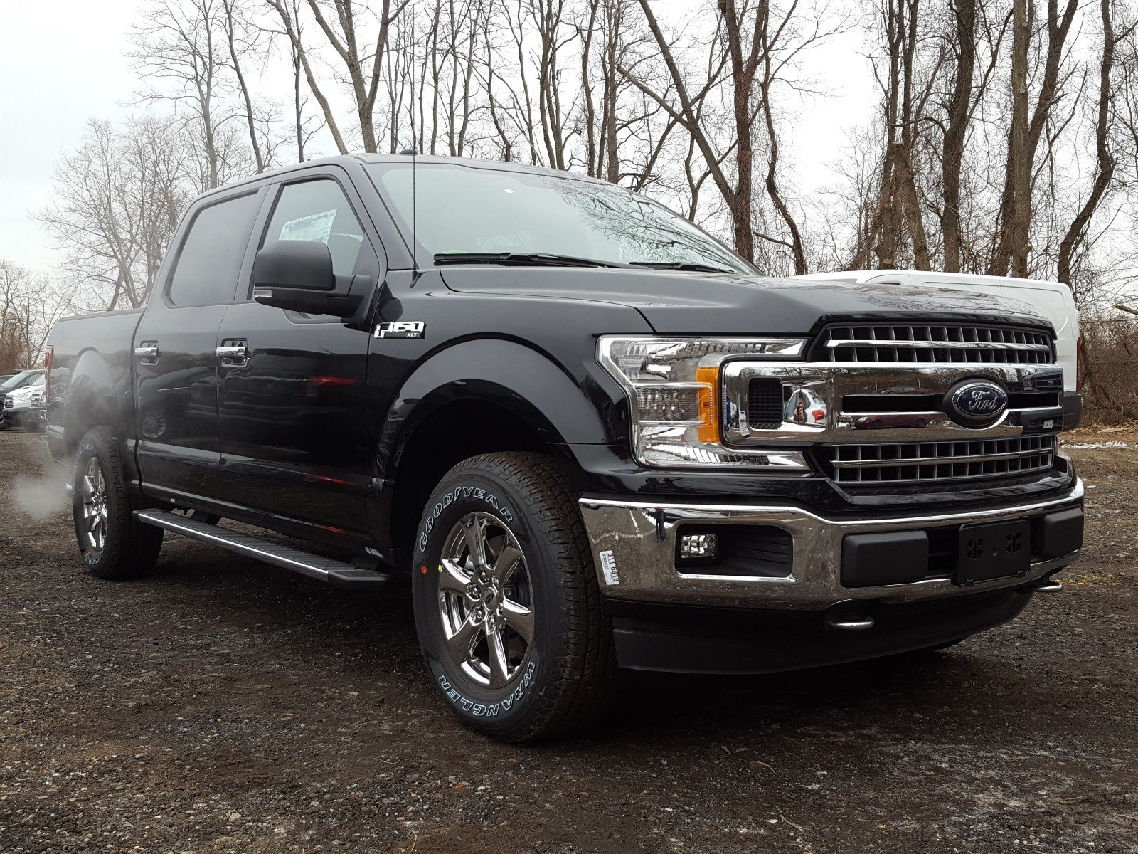 2018 F-150 Crew Cab 4x4 Pickup #R7182 - photo 1