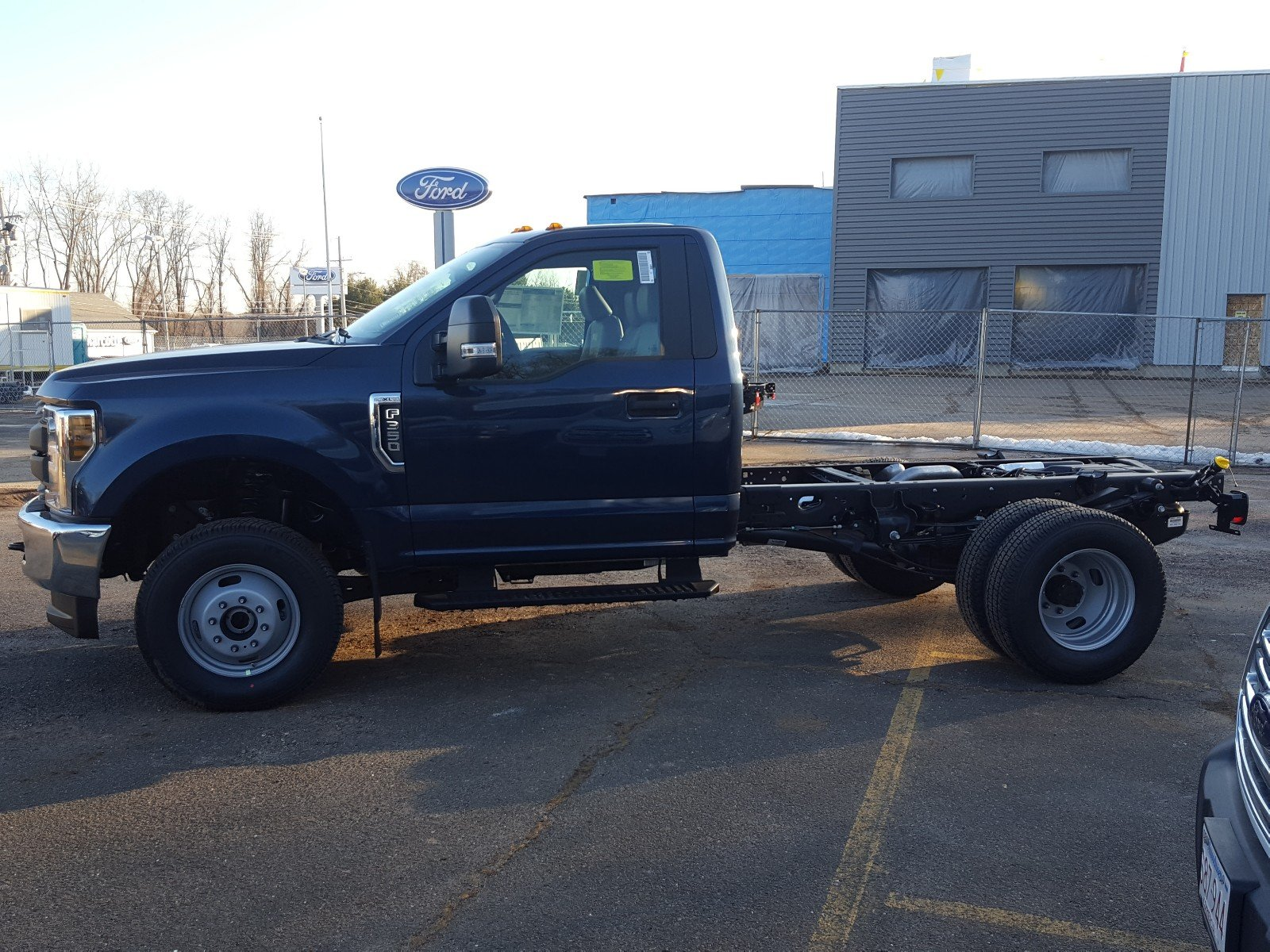 2018 F-350 Regular Cab DRW 4x4, Cab Chassis #R7231 - photo 7