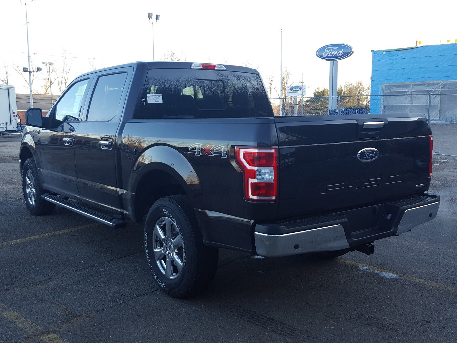 2018 F-150 SuperCrew Cab 4x4, Pickup #R7332 - photo 4