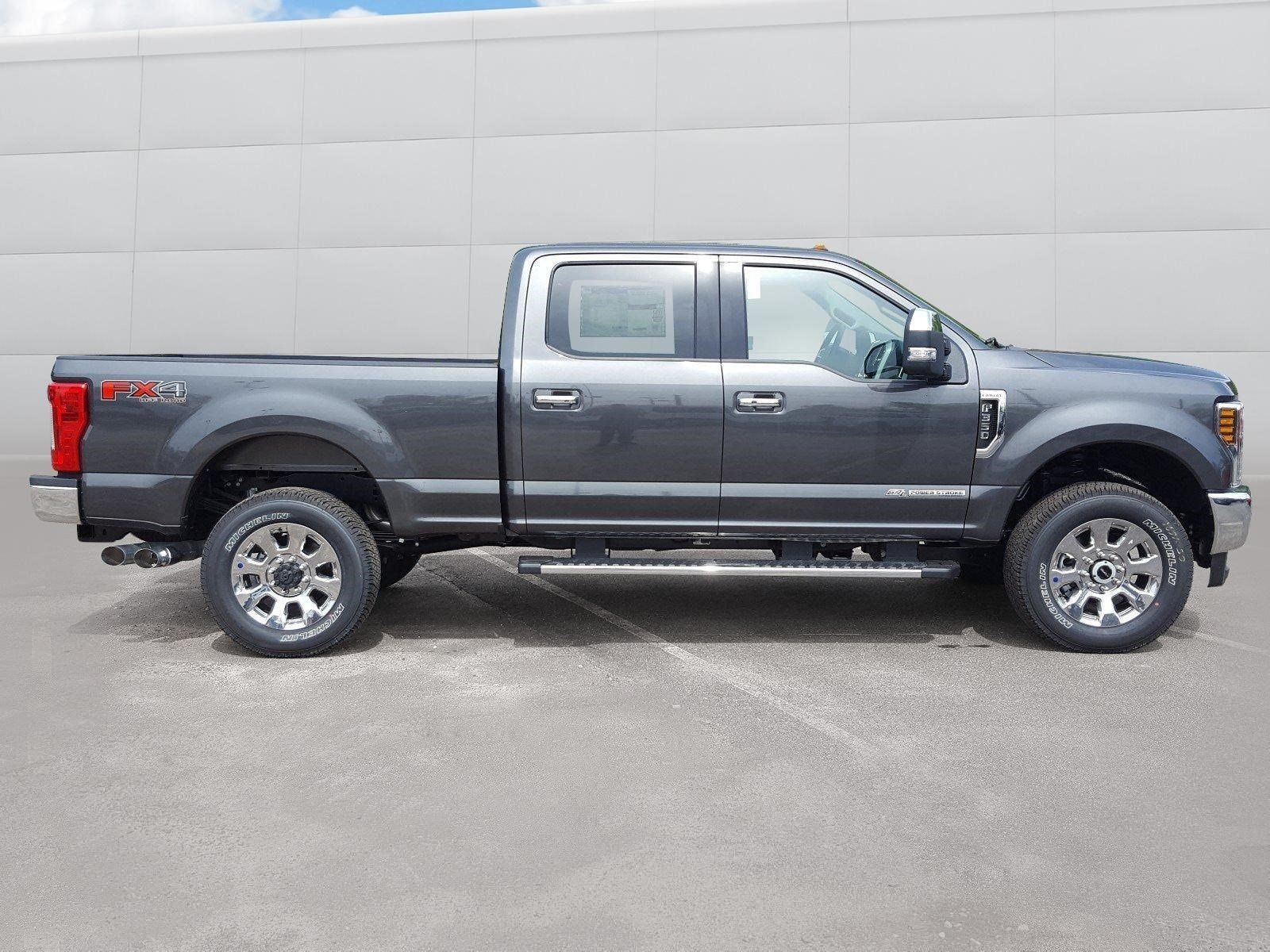 2018 F-350 Crew Cab 4x4, Pickup #R7459 - photo 17