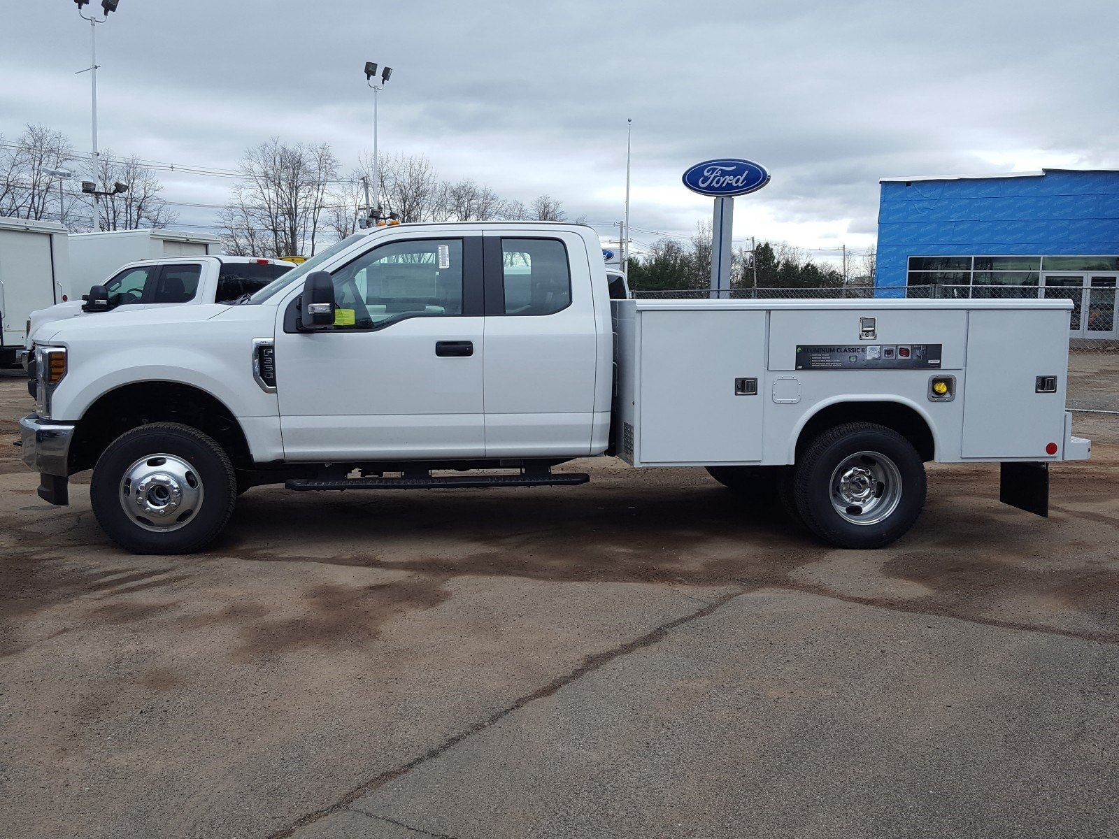 2018 F-350 Super Cab DRW 4x4,  Reading Service Body #R7508 - photo 5