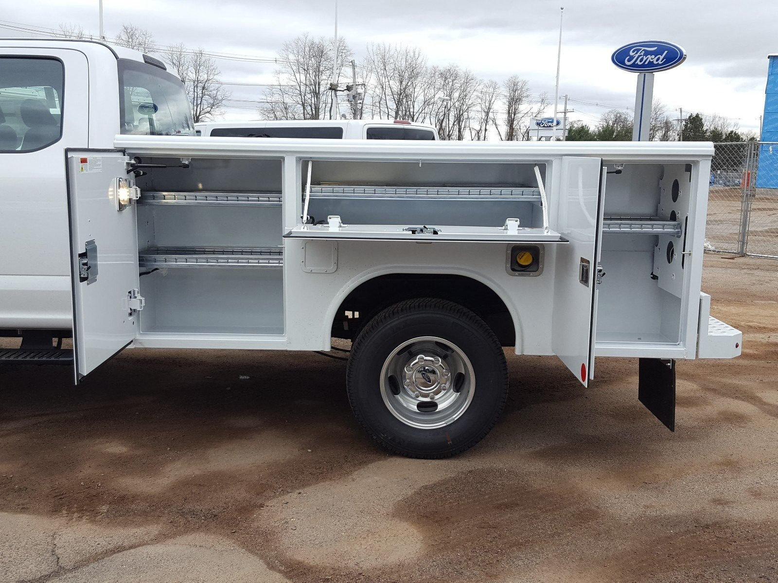 2018 F-350 Super Cab DRW 4x4,  Reading Service Body #R7508 - photo 16