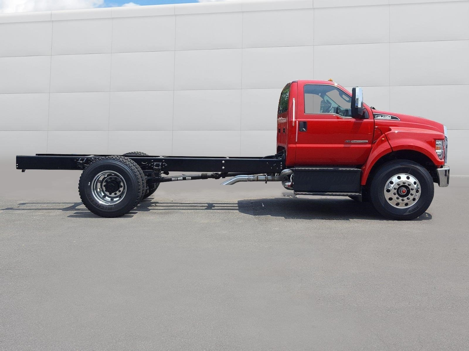 2018 F-750 Regular Cab DRW 4x2,  Cab Chassis #R7564 - photo 15