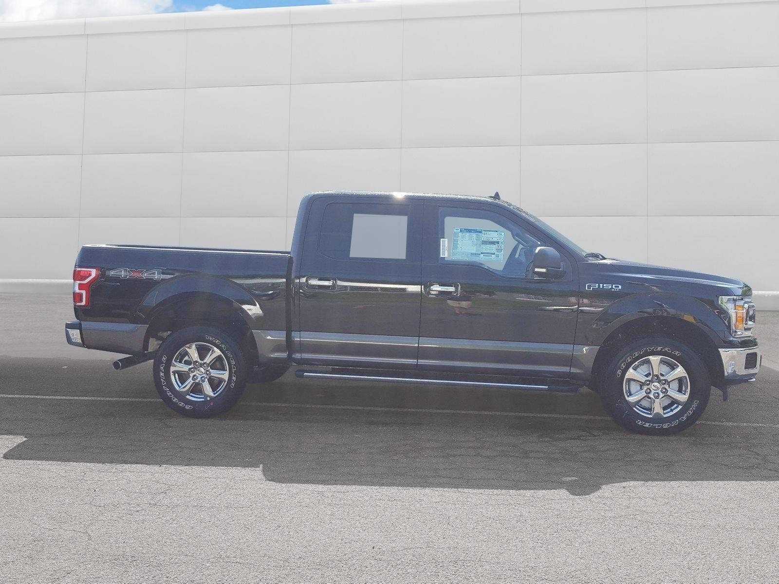 2018 F-150 SuperCrew Cab 4x4,  Pickup #R7577 - photo 15