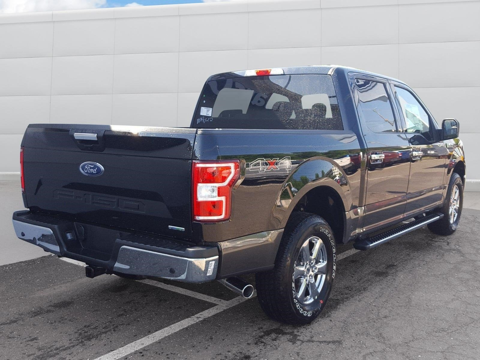 2018 F-150 SuperCrew Cab 4x4,  Pickup #R7577 - photo 2