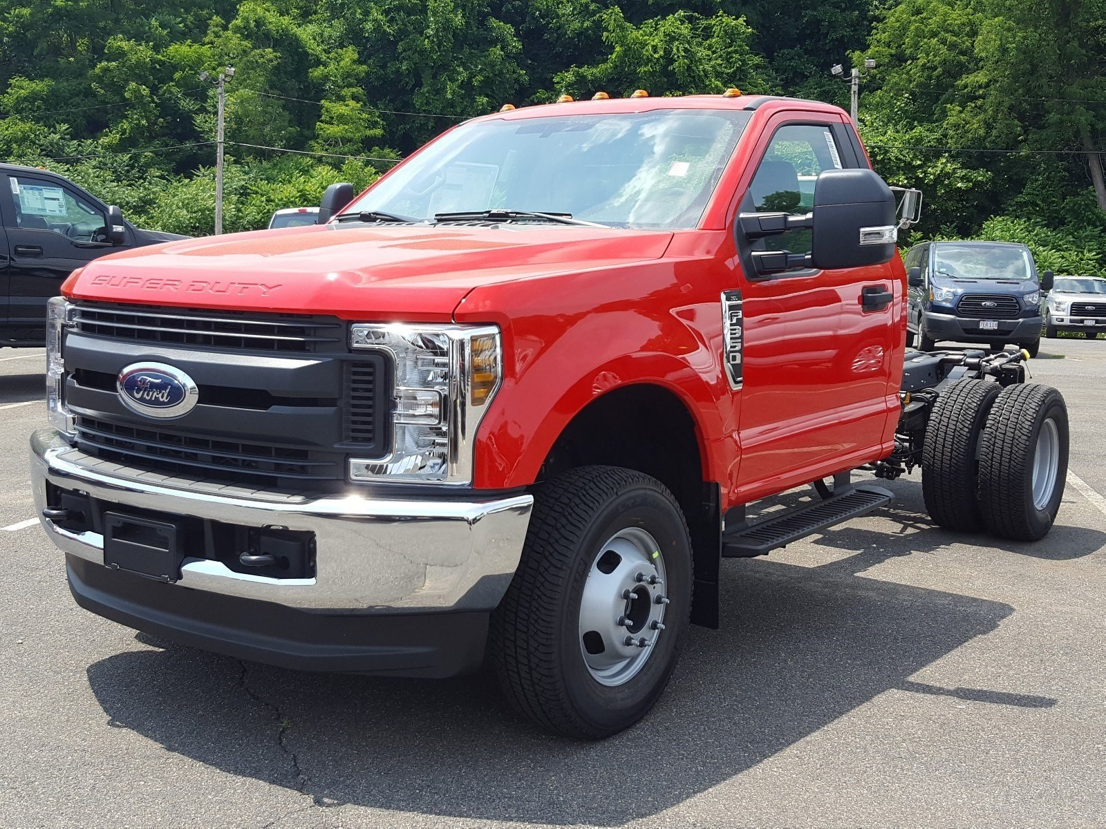 2018 F-350 Regular Cab DRW 4x4,  Cab Chassis #R7672 - photo 6