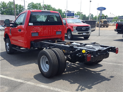 2018 F-350 Regular Cab DRW 4x4,  Cab Chassis #R7672 - photo 4