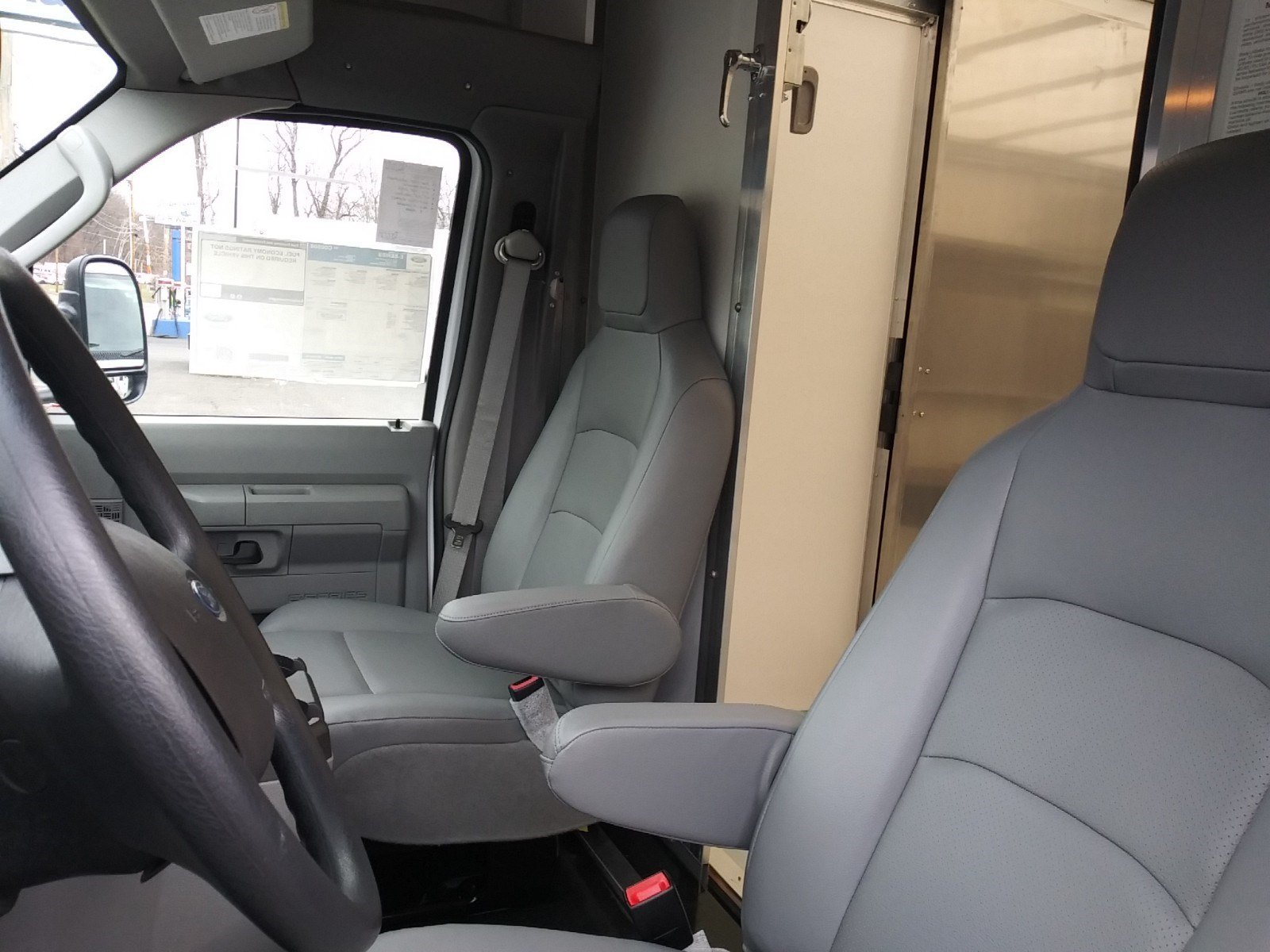2019 E-350 4x2,  Rockport Cutaway Van #S7096 - photo 11