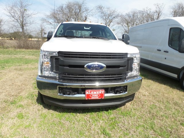 2018 F-350 Crew Cab DRW 4x4, Cab Chassis #180529 - photo 3