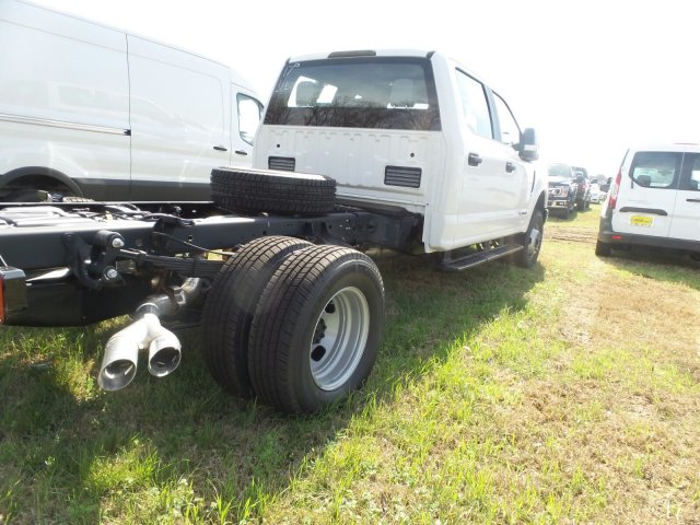 2018 F-350 Crew Cab DRW 4x4, Cab Chassis #180529 - photo 2