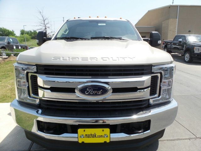 2018 F-350 Regular Cab 4x4, Cab Chassis #181571 - photo 3