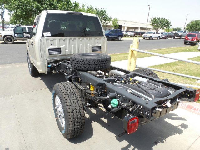 2018 F-350 Regular Cab 4x4, Cab Chassis #181571 - photo 2