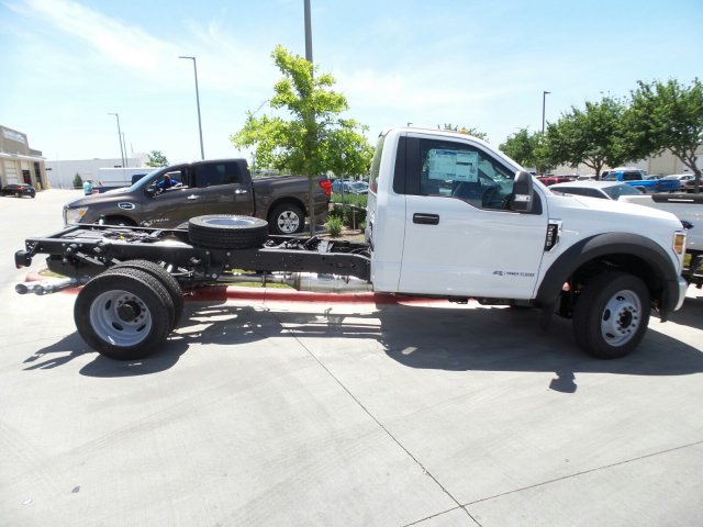 2018 F-550 Regular Cab DRW, Cab Chassis #181589 - photo 3