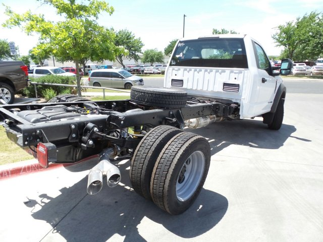 2018 F-550 Regular Cab DRW, Cab Chassis #181589 - photo 2