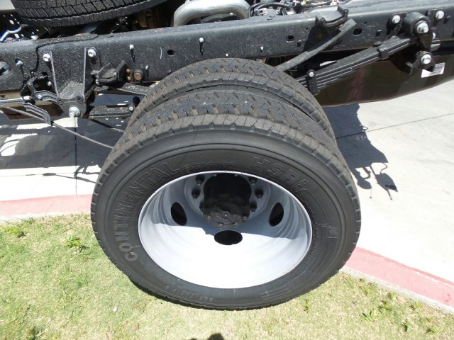 2018 F-550 Regular Cab DRW, Cab Chassis #181589 - photo 5