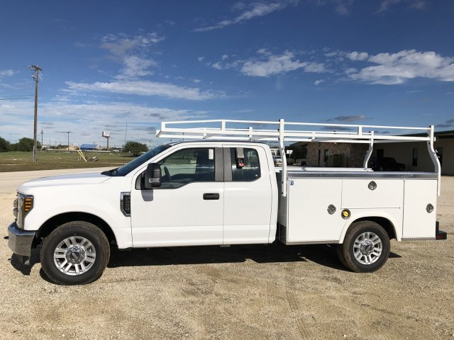 2018 F-350 Super Cab 4x2,  Royal Service Body #182730 - photo 3