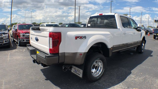 2019 F-350 Crew Cab DRW 4x4,  Pickup #190104 - photo 11