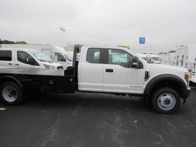 2017 F-550 Super Cab DRW 4x4, Platform Body #F171913 - photo 3