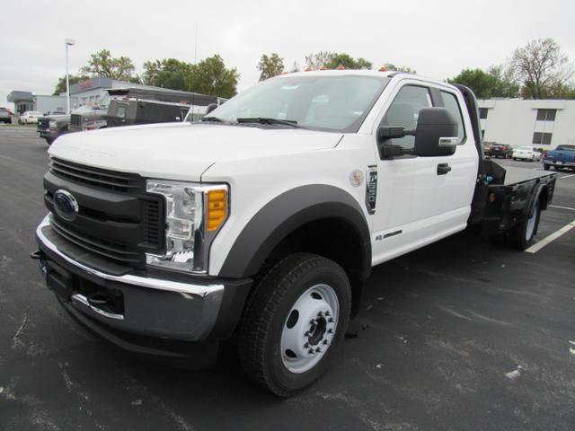2017 F-550 Super Cab DRW 4x4, Platform Body #F171913 - photo 5