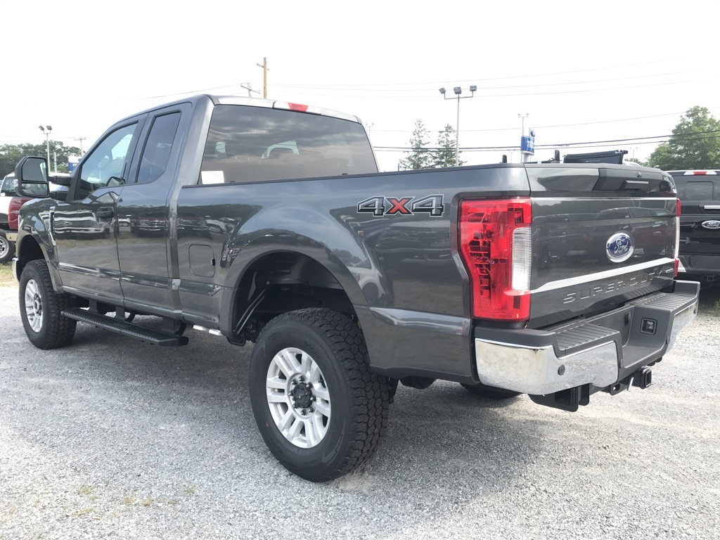 2017 F-250 Super Cab 4x4, Pickup #17123 - photo 2