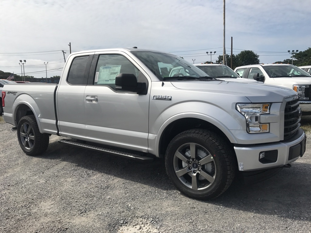 2017 F-150 Super Cab 4x4 Pickup #17698 - photo 4