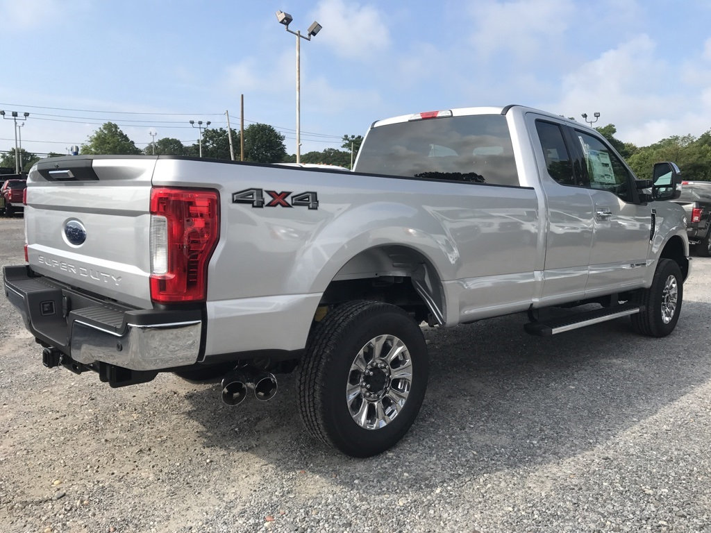 2017 F-250 Super Cab 4x4 Pickup #17720 - photo 5