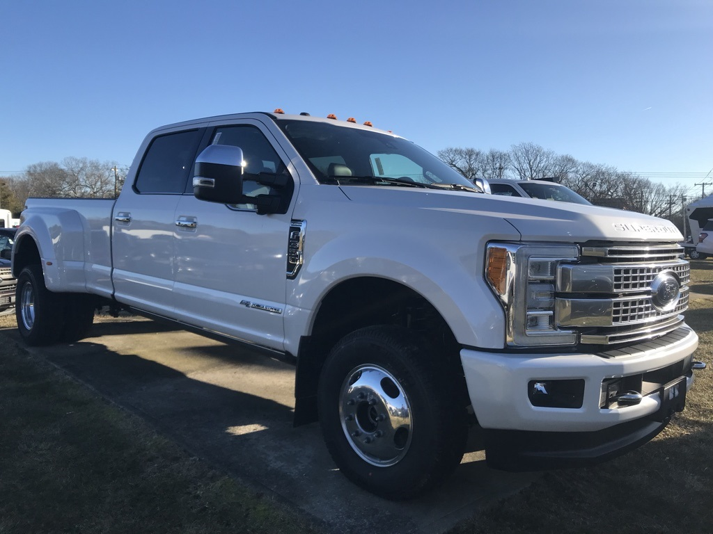 2018 F-350 Crew Cab DRW 4x4, Pickup #18244 - photo 4
