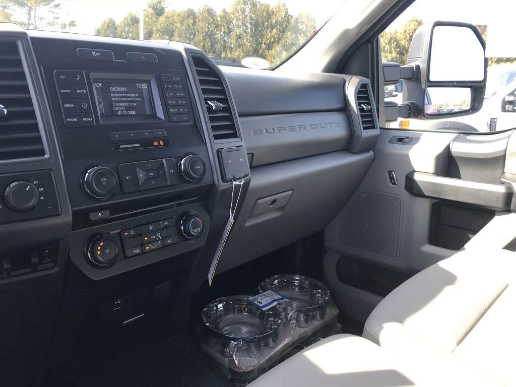 2018 F-250 Regular Cab 4x4,  Pickup #18326 - photo 13
