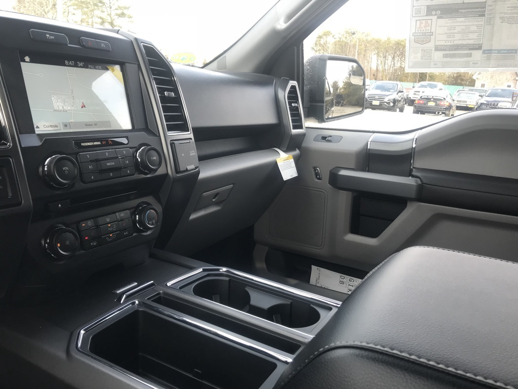 2018 F-150 SuperCrew Cab 4x4, Pickup #18329 - photo 13