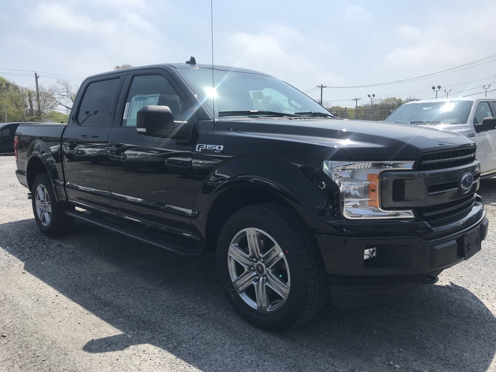 2018 F-150 SuperCrew Cab 4x4, Pickup #18477X - photo 4