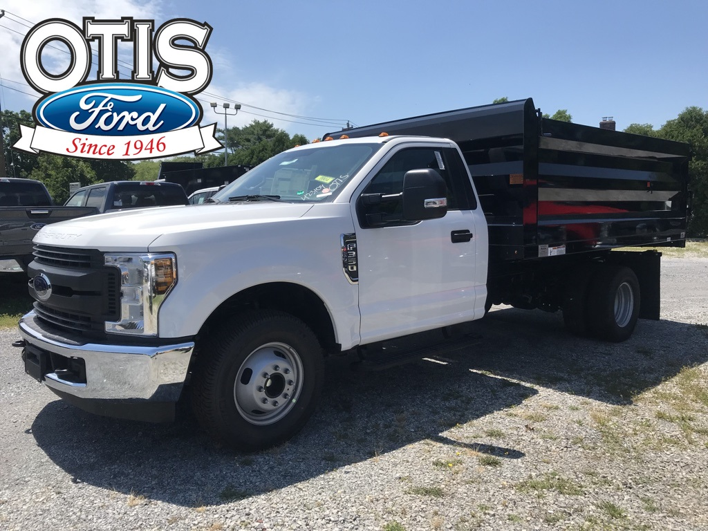 2018 F-350 Regular Cab DRW 4x2,  Rugby Landscape Dump #18562 - photo 1