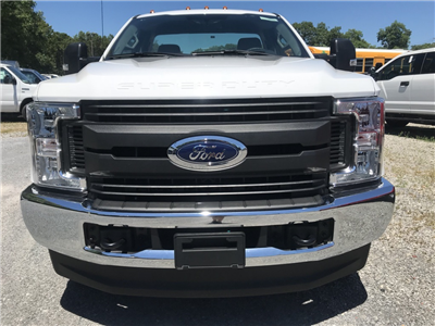 2018 F-350 Regular Cab DRW 4x4,  Cab Chassis #18632X - photo 3