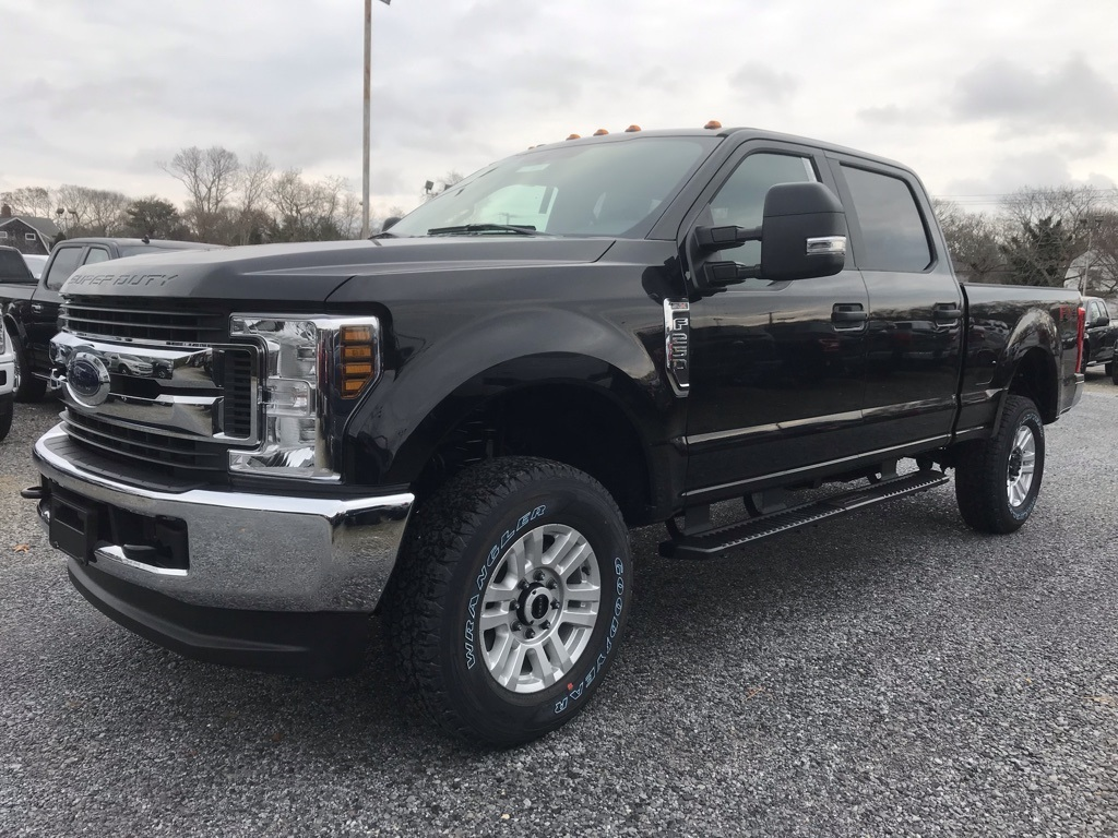 2019 F-250 Crew Cab 4x4,  Pickup #19073 - photo 4