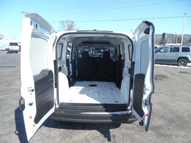 2017 ProMaster City Cargo Van #0200 - photo 2