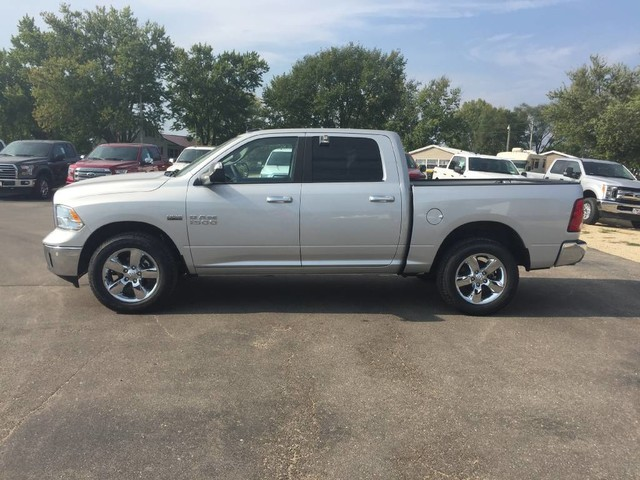 2017 Ram 1500 Crew Cab 4x4, Pickup #1195 - photo 3